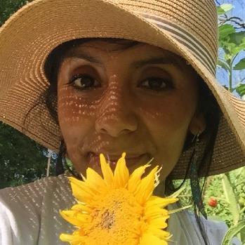 Claudia Urdanivia profile image
